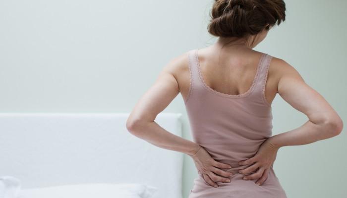 महिलाएं पीठ दर्द को न समझें मामूली...