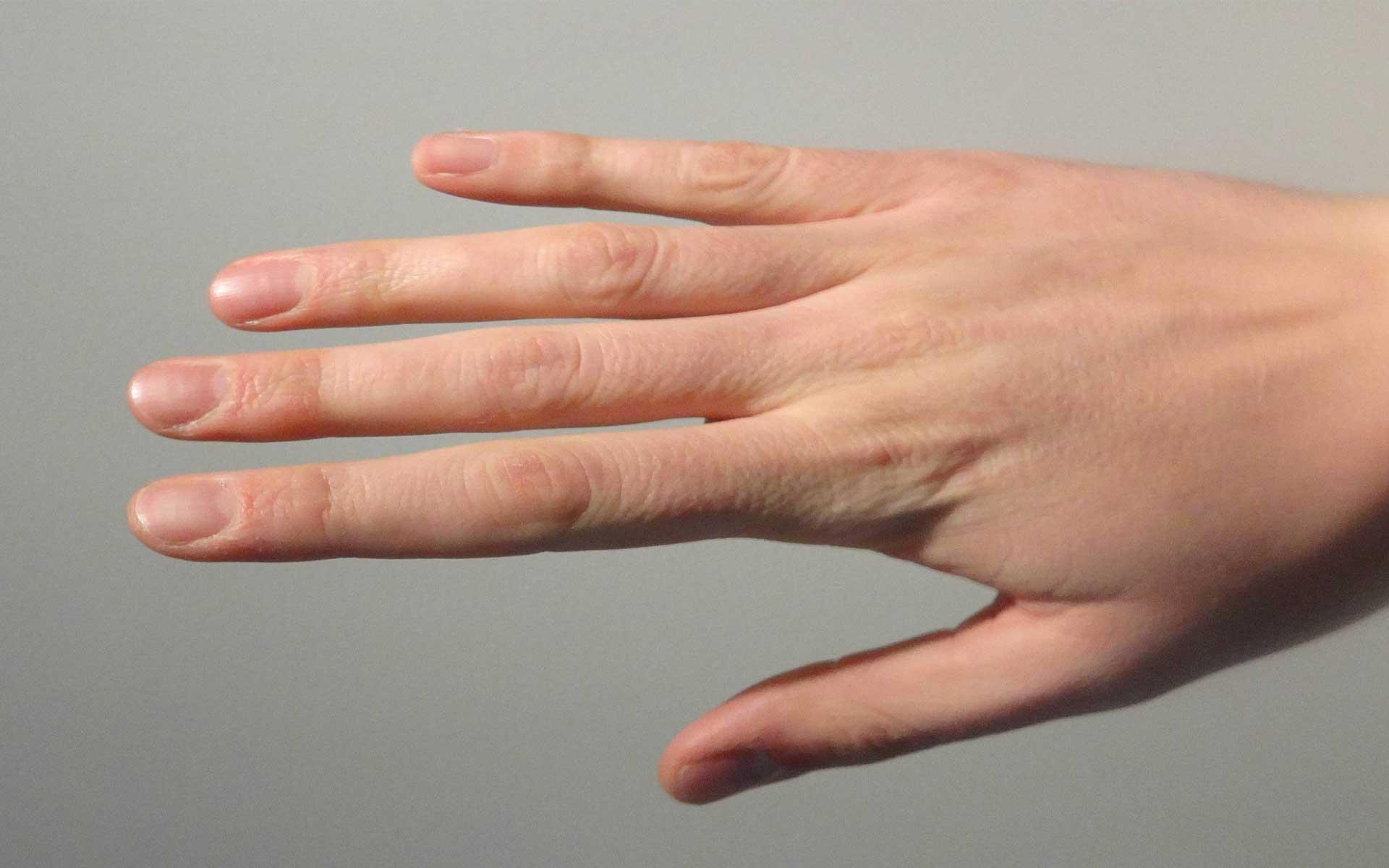 छोटी उंगली की ये बातें बताती हैं आपके करियर व धन का हाल