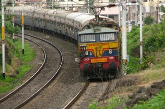 रेलवे की 90 हजार वैकेंसीः 2 करोड़ उम्मीदवारों के लिए बुरी खबर...