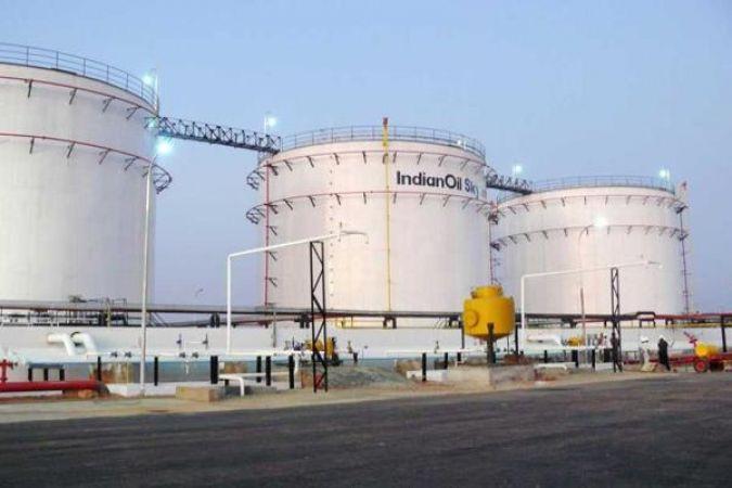 इंडियन ऑइल ने ईंधन को GST में लाने की मांग की