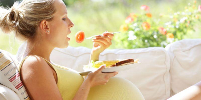 भूलकर भी गर्भावस्था में ना करें इन चीजों का सेवन