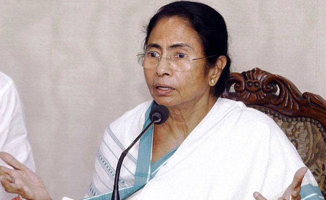 सीएम ममता को मंजूर नहीं कांग्रेस का नेतृत्व, थर्ड फ्रंट की संभावना को कर्नाटक से मिली ताकत