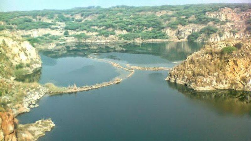 """घूमने के लिए मशहूर है यह खूबसूरत झील """"सूरजकुंड"""""""