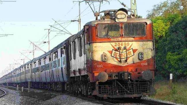 कानपुर सेंट्रल स्टेशन से मथुरा-बरेली तक दौड़ेंगी इलेक्ट्रिक ट्रेन