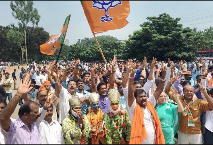 कर्नाटक उपचुनाव : भाजपा ने तीन लोकसभा व दो विधानसभा सीटों के लिए उम्मीदवार उतारे