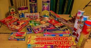 सुप्रीम कोर्ट द्वारा जारी निर्देश के बाद पटाखों की बिक्री पर लटकी तलवार, व्यापारी ग्रीन पटाखे से हैं अनजान
