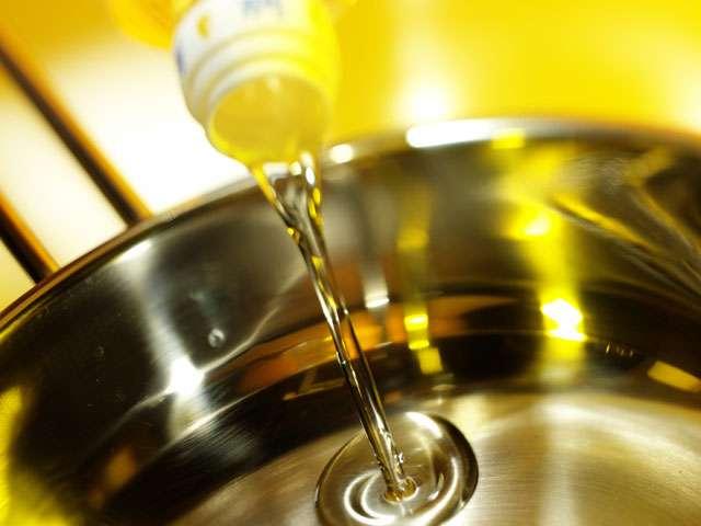 ...तो इस वजह से राजधानी के बाजारों में लगातार घटते जा रहे है तेल के दाम