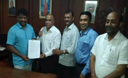 गोवा में आधी रात को चला सियासी ड्रामा, भाजपा में शामिल हुए MGP के 2 विधायक