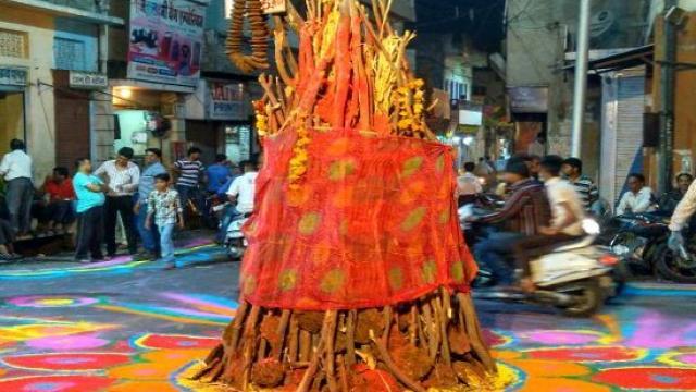 जानिए होली पूजन और होलिका दहन का सबसे अच्छा मुहूर्त, रंग भी लगाएं शुभ समय पर...