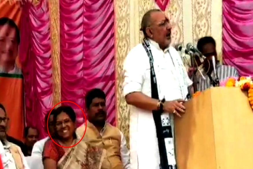 गिरिराज सिंह के मंच पर दिखीं मंजू वर्मा, आर्म्स एक्ट में जमानत पर हैं बाहर