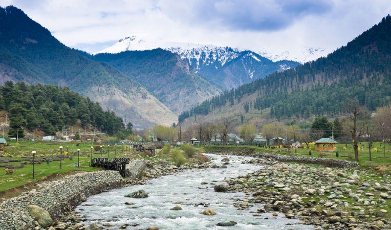 जम्मू-कश्मीर: घाटी में चढ़ा पारा, तामपान में आया जबरजस्त उछाल