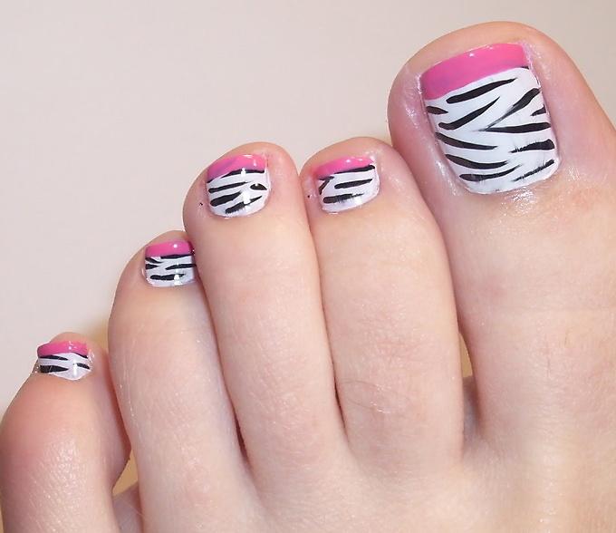 आपके पैरों के नेल्स पर ऐसे करें खुबसूरत आर्ट बनेंगे बेहद सुन्दर