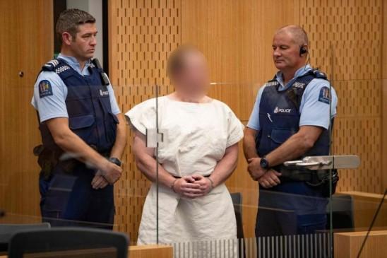 न्यूजीलैंड मस्जिद गोलीबारी के आरोपी ने वकील को हटाया, खुद लड़ेगा अपना केस...