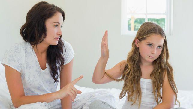 अगर आपका बच्चा करता है हर छोटी सी छोटी बात पर जिद, तो इन तरीकों से समझाएं उन्हें...