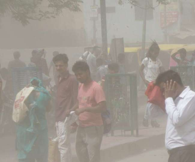 Photo of दिल्ली: फिर बदला मौसम का मिजाज, लोगों को मिली गर्मी से राहत…