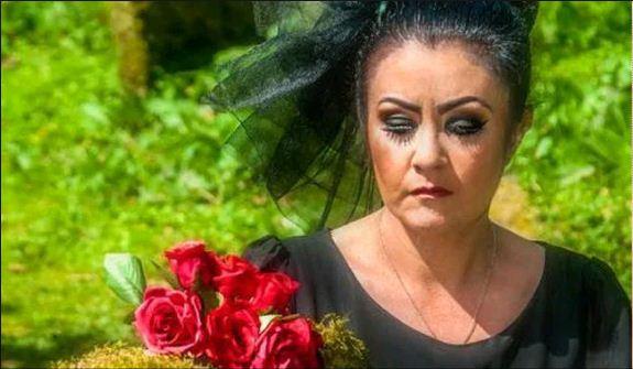 Photo of इस महिला ने भूत से की शादी और अब करना चाहती है ये अनोखा काम…