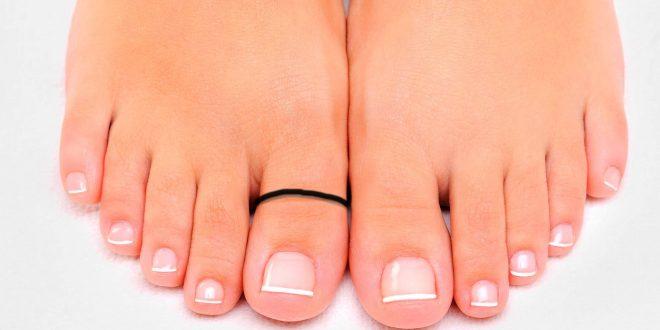 जान ले पैर के इस अंगूठे में काला धागा बांधने के लाभ, जानकर हो जाओगे हैरान
