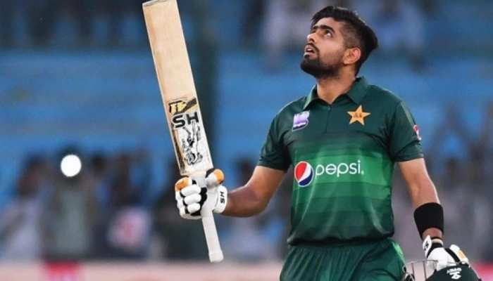Photo of पूर्व पाक क्रिकेटर ने बाबर आजम की बल्लेबाजी में गिनाई कमियां