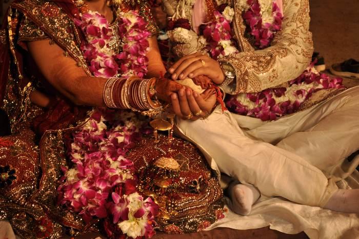Photo of कोरोना वायरस के चलते बदले शादी के ये नियम