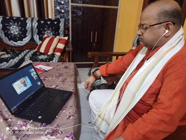 Photo of प्रभारी मंत्री सिद्धार्थनाथ सिंह ने BJP के पदाधिकारियों के साथ की वर्चुअल बैठक