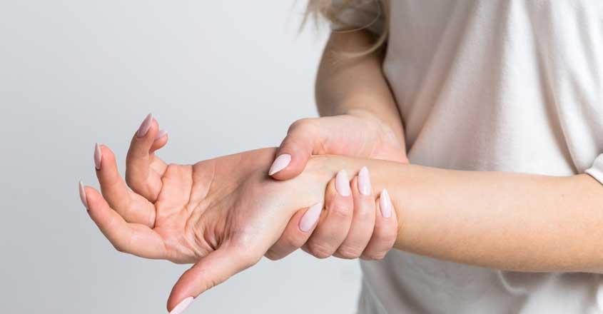 Photo of अगर आपको भी होती है गुदगुदी और  हाथों में दर्द तो… हो जाए सावधान