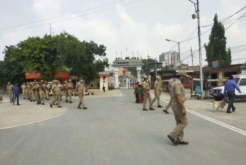Photo of गोरखपुर एसएसपी को आया धमकी भरा फोन, कहा कि 24 घंटे के अंदर उड़ा देंगे गोरखनाथ मंदिर