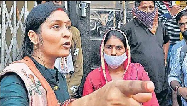 Photo of कानपुर एनकाउंटर: विकास दुबे के साथी जय की पत्नी श्वेता आई सामने, पुलिस और प्रशासन पर उठाए सवाल