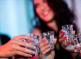 Photo of महिलाओं में बढ़ रहा शराब पीने का चलन, सामने आया इसका बड़ा कारण