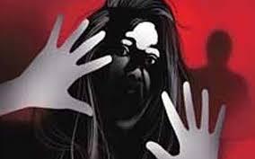 Photo of दरिंदगी की सारी हदें पार, 44 लोगों ने किया 17 साल की लड़की के साथ सामूहिक दुष्कर्म और…