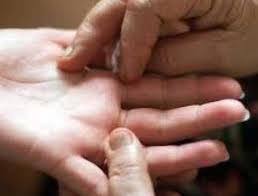 Photo of लव अफेयर और मैरिज लाइफ को  दर्शाती हैं आपके हाथों की ये रेखाएं…
