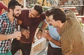 Photo of आखिर शराब पीते ही लोग क्यों बोलने लगते हैं अंग्रेजी,    क्या हैं इसके पीछे की वजह