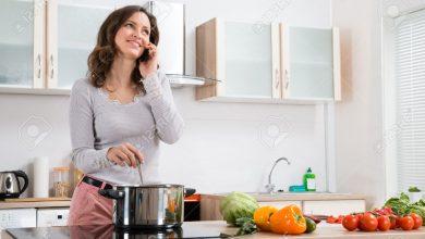 Photo of खाना बनाते वक्त जरुर रखे इन बातों का ध्यान, मां लक्ष्मी होगी प्रसन्न…