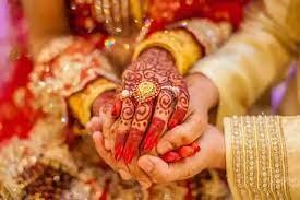 Photo of शादी के दौरान लापता हुआ दूल्हा, परिवार ने कराई भाई से कराई शादी और फिर…