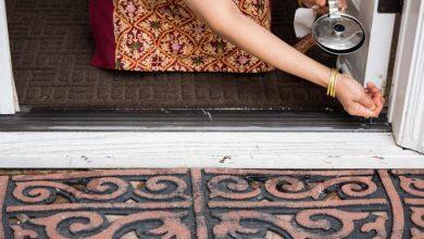 Photo of वास्तु शास्त्र के अनुसार: व्यक्ति को गरीब कर सकती हैं घर की दहलीज पर रखी ये… चीजें