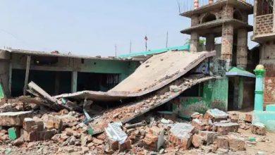 Photo of बिहार के बांका में मस्जिद के पास हुआ जोरदार विस्फोट, मदरसा भवन पूरी तरह ध्वस्त