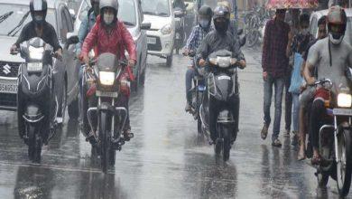 Photo of उत्तराखंड में जारी है भारी बारिश का दौर, सड़कें हुई जलमग्न, नदी-नाले उफान पर….