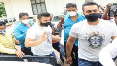 Photo of राज कुंद्रा और उसके एक अन्य साथी को 14 दिन के लिए भेज गया जेल, शर्लिन चोपड़ा और पूनम पांडे को मिली बड़ी राहत