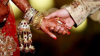 Photo of शादी की रस्मों के बीच दूल्हे ने दुल्हन के साथ किया कुछ ऐसा, जिसे देख सभी हो गए हैरान….