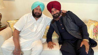 Photo of टी पार्टी में साथ बैठे कैप्टन अमरिंदर सिंह और नवजोत सिंह सिद्धू, दोनों के बीच…