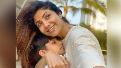 Photo of राज कुंद्रा के बेटे ने कुछ इस अंदाज में माँ शिल्पा के साथ शेयर की तस्वीर…