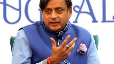 Photo of तेलंगाना प्रदेश कांग्रेस कमेटी के प्रमुख रेवंत रेड्डी ने शशि थरूर को लेकर दिया विवादित बयान
