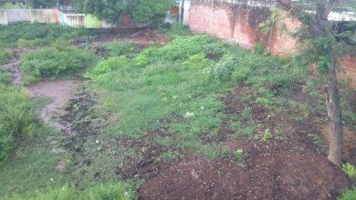 Photo of सरायशेख चिनहट के प्राथमिक विद्यालय का प्रांगण बना तालाब