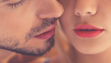 Photo of महिला पार्टनर को उत्तेजित करने के लिए इन जगहों पर करें KISS