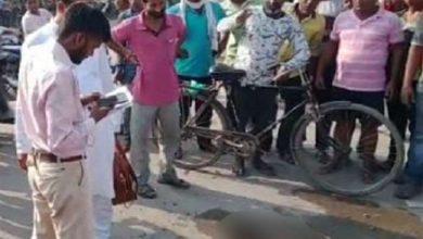 Photo of चकेरी में पुलिस द्वारा कार्रवाई न किए जाने से आहत बुजुर्ग ने खुद पर पेट्रोल डालकर लगाई आग, हालत गंभीर