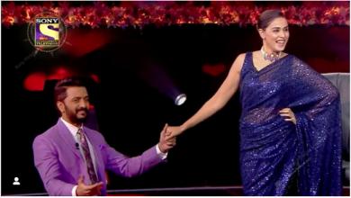 Photo of अमिताभ बच्चन के क्विज शो 'कौन बनेगा करोड़पति 13' में आते ही रोमांटिक हुए रितेश देशमुख, पत्नी से कहा- 'मेरे लिए तुम…'