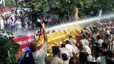 Photo of अब चंडीगढ़ में भी पहुंच चुकी है लखीमपुर हिंसा की आग, आप कार्यकर्ताओं ने पंजाब राजभवन का किया घेराव
