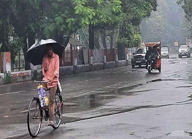 Photo of प्रदेश में बीते एक हफ्ते से चटख धूप के कारण लगातार बढ़ती उमस से अब लोगों को मिली राहत