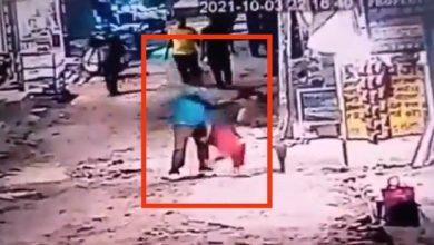 Photo of महिला दुकानदार के बीड़ी न देने पर नशे में धुत शख्स ने गला रेतकर की हत्या, सीसीटीवी में रिकॉर्ड हुई वारदात