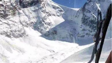 Photo of उत्तराखंड के लमखागा दर्रे में वायु सेना ने 17,000 फीट की ऊंचाई पर आरम्भ किया बचाव अभियान